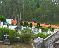 Isinliví cemetery.