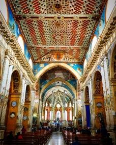 Inside Iglesia de Santo Domingo.